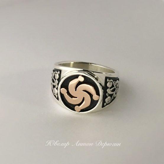 Мужской перстень с символом Рода из золота 2